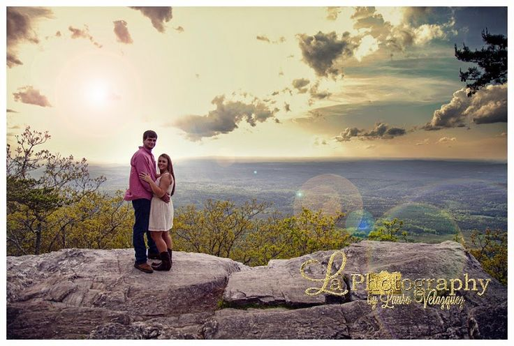 Cheaha Engagement by La Photography #alabama #engagement #alabamaengagement #springengagement #cheaha #laphotography #outdoorengagement #countryengagement
