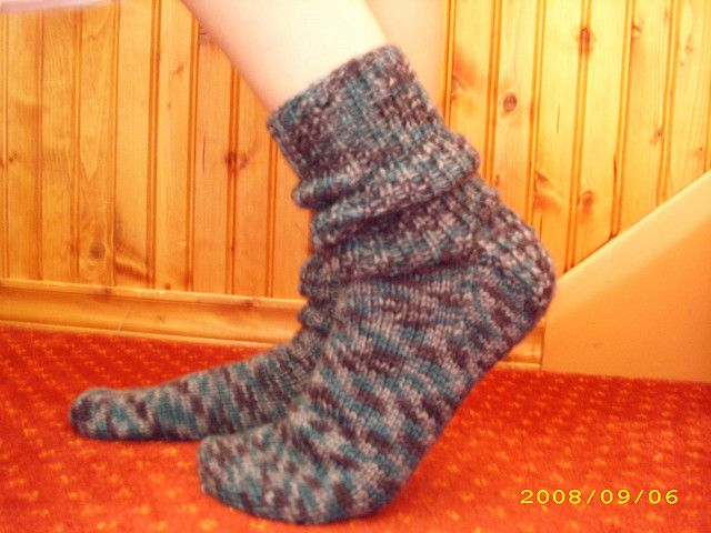 Simple Sock Knitting Patterns Beginner : 30 best images about Socks: Crochet + Knit on Pinterest Free pattern, Croch...