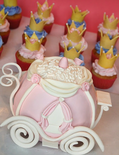 Cinderella carriage cake and cupcakes