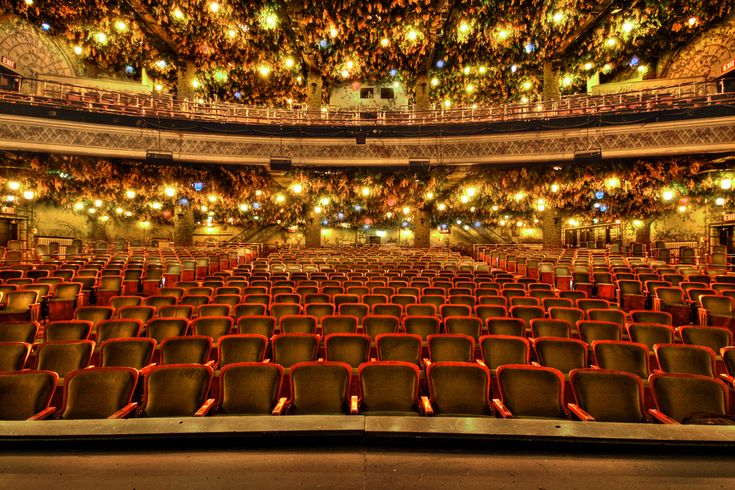 12 Incredible Theater Facts. - Random Facts