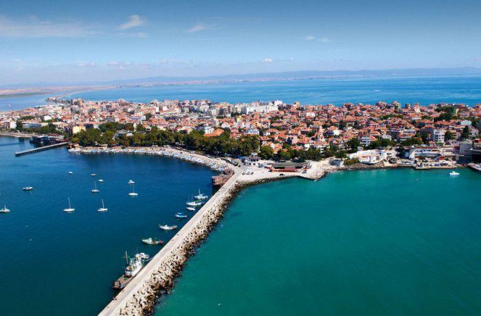Город #Поморие - популярный летний курорт. Находится в недалеко от Бургаса и предлагает многобразие  возможностей для размещения и хорошо оборудованные СПА центры