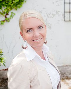 Cecilie Thunem-Saanum tilbyr tjenester innen feltene kommunikasjon og tidsbruk.  Arbeidsformen er kurs, foredrag, treningsprosesser og rådgivning.  Gjør mer av det du tror på. Tro mer på det du gjør.  http://www.cts-setting.no