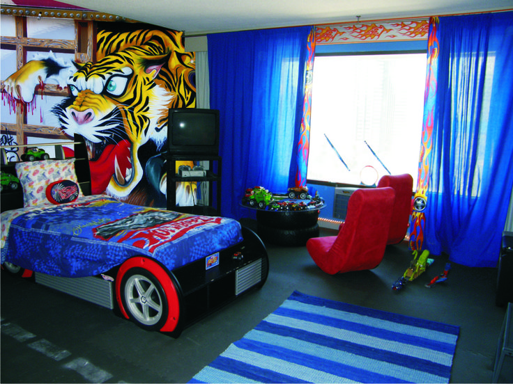 Boy's room.