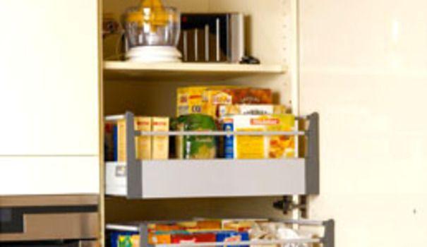 Place aux meubles de cuisine et autres petits plus qui font la différence. Voici plus de 35 solutions malignes et ergonomiques facilitent le rangement et la préparation des repas dans la cuisine...