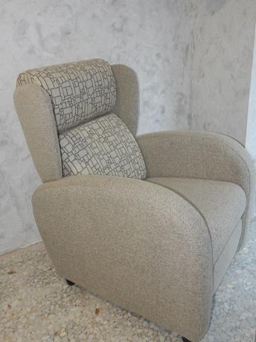 Sillón relax de apertura manual, cómodo y versátil para cualquier salón a juego con su sofá.