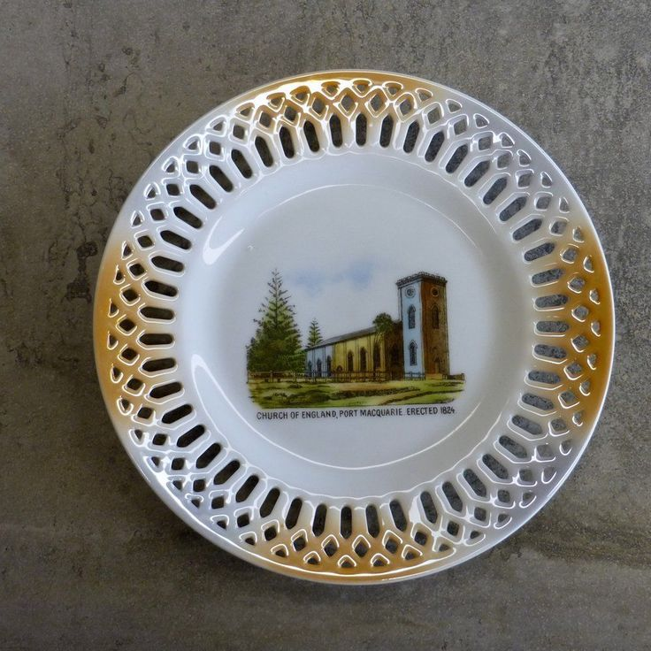 Art Deco Souvenir Plate  Design - Anglican Church Port Macqaurie. Erected 1824  (St Thomas' Anglican Church, Port Macquarie NSW Australia. built by convict labour) By Victoria China, Made in Czechoslovakia 1918-1939.