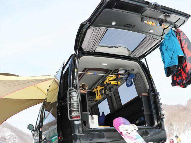 ハイエース室内キャリア Xride サイドバー ハンガーバー スノーボード積載 Toyota Hiace ハイエース 荷台 ハイエース トヨタハイエース