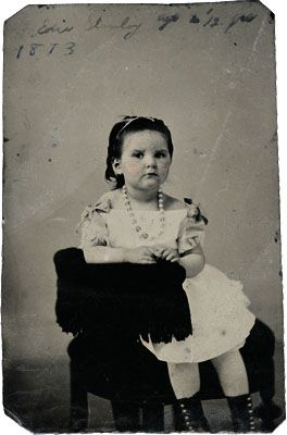 Identifying and Dating 19th Century Photographs