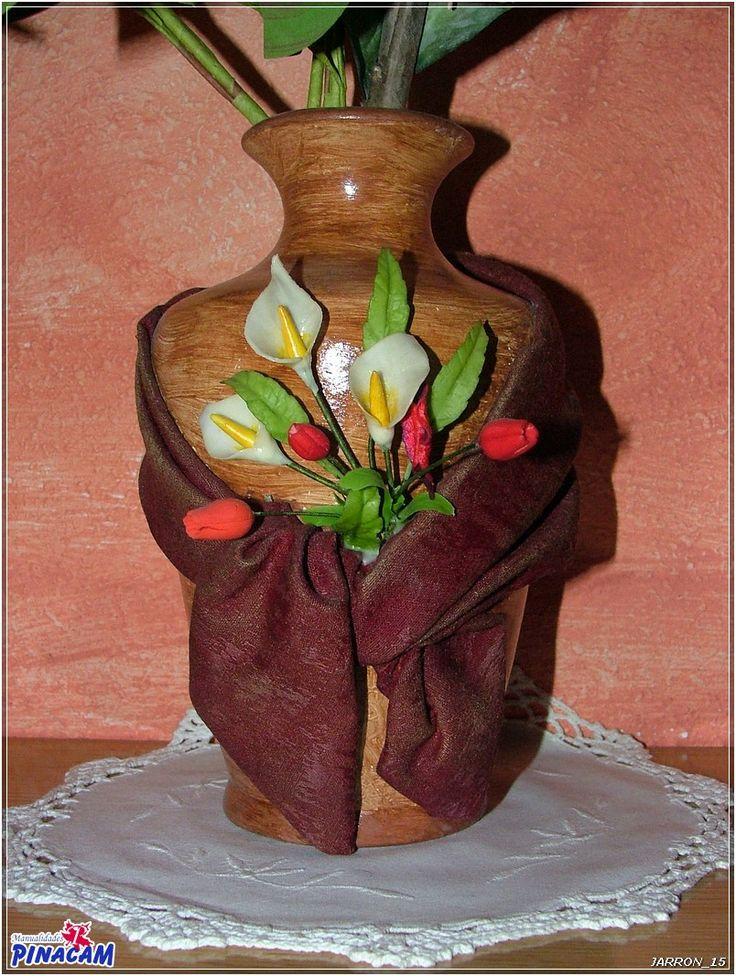 Jarr n decorado con tela y flores de porcelana - Manualidades con tela ...