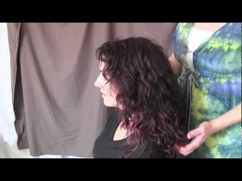 Blow-dry your curly hair using a diffuser