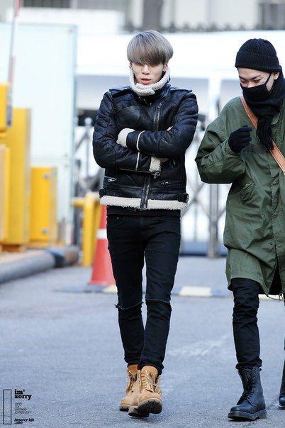 150109 Jonghyun утром идёт на Music Bank  #Jonghyun #Shinee #Base #Crazy #MusicBank #Music_bank