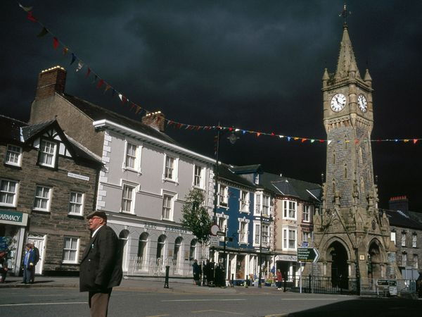 Wales, United Kingdom Photos - National Geographic. Machynlleth is the seat of Wales's first parliament, convened in 1404 by Welsh national hero Owain Glyndwr, wh lead an unsuccessful revolt against the English crown.  The clock tower is a visible