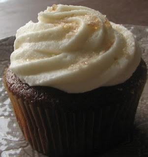 Root Beer Float Cupcakes!   Sweet Bliss Cupcakes   Pinterest   Root ...