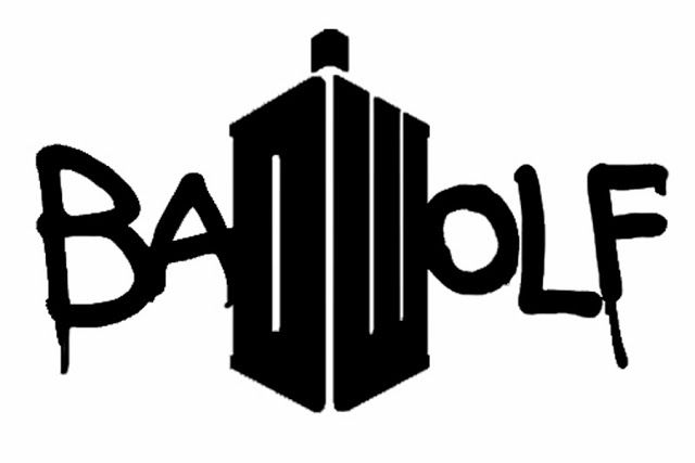 Bad+Wolf+with+Doctor+who+logo+DW+blue+tardis+spray+paint+freezer+paper+stencil+silhouette+machine+(1).jpg (640×427)