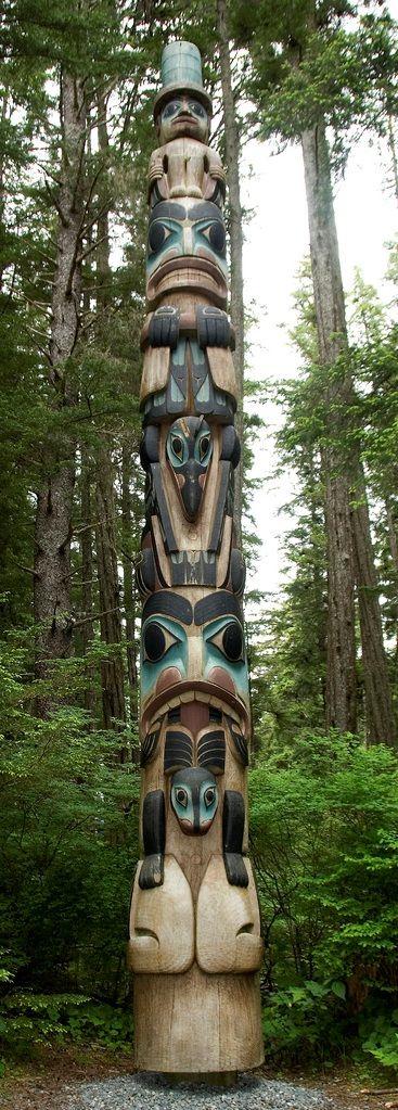 totem INUIT  ART / ALASKAN NATIVE PEOPLES ' ART / NORTHWESTERN ART / NATIVE CANADIANS' ART : More At FOSTERGINGER @ Pinterest