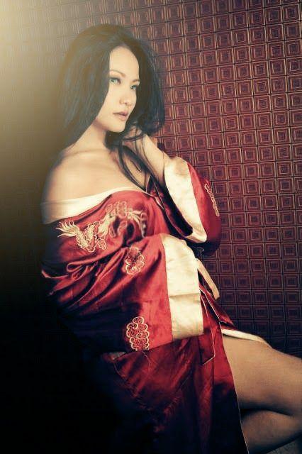 Nofa Liouz - Model Wanita Bandung
