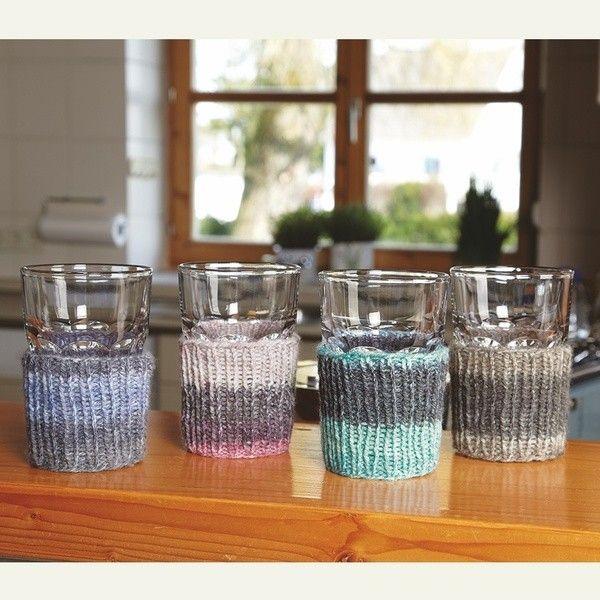 """Strickanleitung Manschetten für Gläser aus der Qualität """"Capri Color"""" (Modellnr.: 754125). Das Modell ist in einer Einheitsgröße ausführlich beschrieben. Schwierigkeitsgrad: Leicht Die passende Wolle finden Sie in unserem Fischer Wolle Onlineshop."""