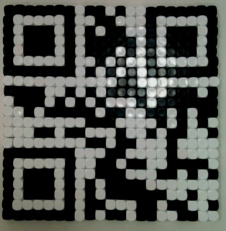 A QR code made of white and black dice!