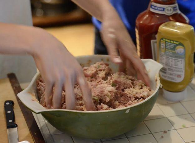 Best Easy Meatloaf Recipe | How to Make Meatloaf