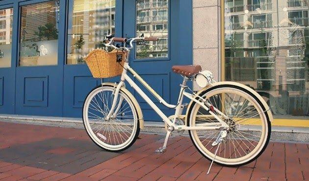 Bersepeda merupakan olahraga yang tak mengenal perbedaan gender. Kali ini sepedapancal.com akan membahas tentang Delapan Tips Memilih Sepeda yang Cocok Bagi Wanita. Pada umumnya, gowesnita akan membutuhkan waktu yang cukup lama saat memilih sepeda yang pas karena pada umumnya sepeda di pasaran memiliki desain maskulin.