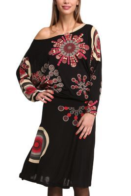 Welcome to a Galactic world that you'll never want to leave. This oversized boat-neck dress is perfect if you want to flirt with our boldest designs. It combines black with very striking galactic spheres.