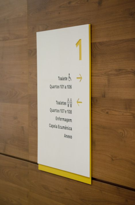 Sinalização Placi   Núcleo de Design Gráfico Ambiental - NDGA