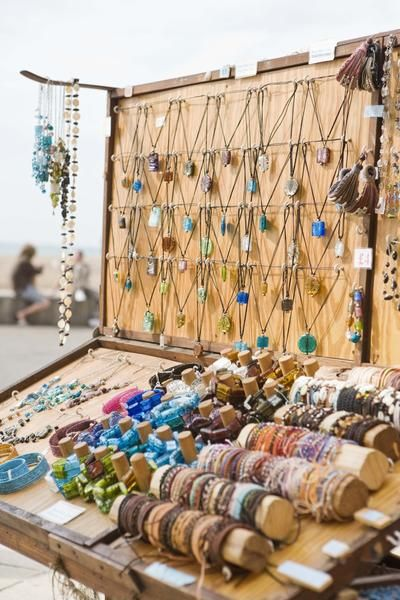 Best 25 bracelet display ideas on pinterest jewelry for How to make a ring display for craft shows