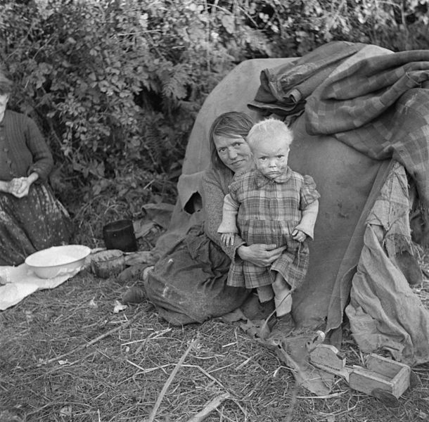 "Irish Travellers in 1946. They are often referred to by the terms tinkers, knackers or itinerants in Ireland, while in other countries the term gypsies or didicoy is used to describe the community. Travellers refer to themselves as Minceir or Pavees in their own language or in Irish as an Lucht Siúil, meaning literally ""the walking people""."