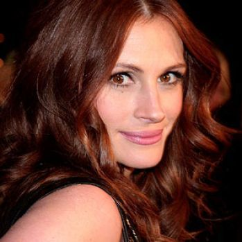 Julia Roberts. Brownish Red: Hair Colors Ideas, Red Hair, Juliarobert, Brown Eye, Hair Style, Dark Red, Julia Robert, Brown Hair, Auburn Hair Colors