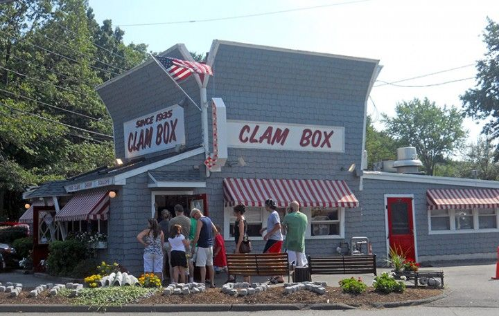 The Clam Box in Ipswich, Massachusetts, specialize in deep-fried clams that never disappoint.