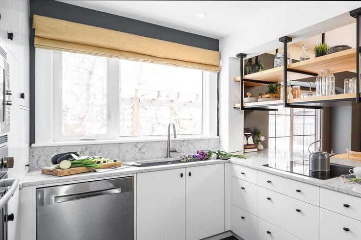 Светлые цвета станут вашим помощником в оформлении маленькой кухни, ведь такая цветовая гама поможет зрительно увеличить пространство