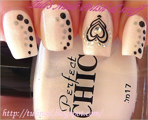 Another cute heart idea - would look cute with red hearts and red and pink dots for Valentine's