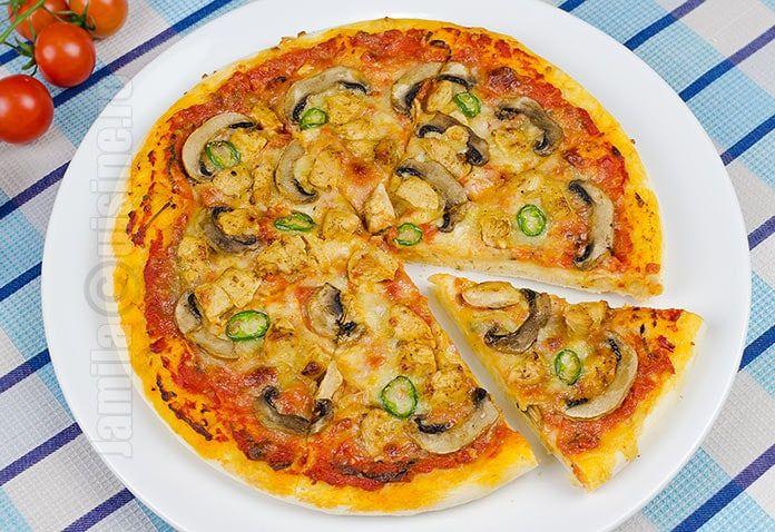 Pizza cu pui si ciuperci