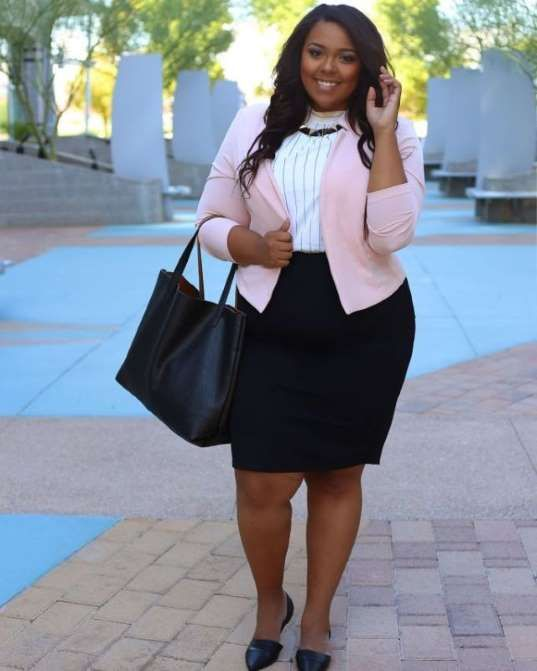 Work clothes don't have to be boring — you can look both professional and pretty by simply playing w... - Nicole Simone