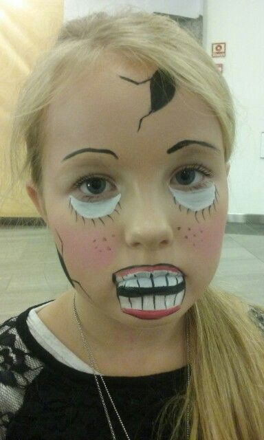 Doll. Dokke. Facepaint. Ansiktsmaling. Halloween. Norway. Made by Jane M Trolle.