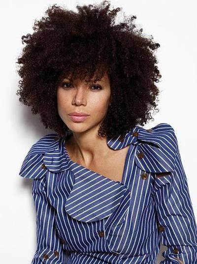 Here's another great afro style I love. Again, not sure I can get away with it at work, but it's definitely a goal to wear my fro out in public.