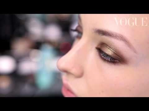 ▶ Chanel make-up - YouTube