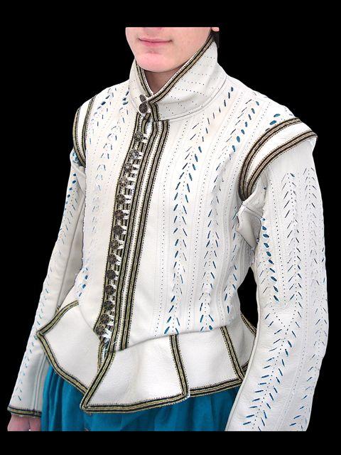 1615 men's leather diublet - Toby Kreimendahl - Costume Production