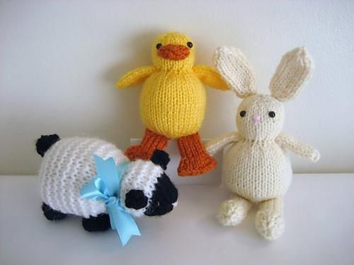 knit easter trio available in little knitted creatures