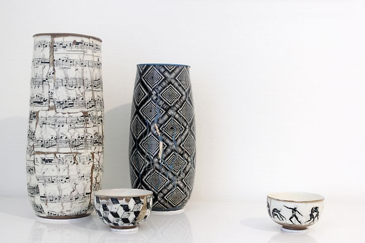 Vasen mit edlem Dekor von Martin Möhwald. Galerie ASPEKT vom 06. April bis zum 04. Mai 2014. #Art #Porzellan #beautiful #unique #porcelain #chinaware #porcelaine #exquisite