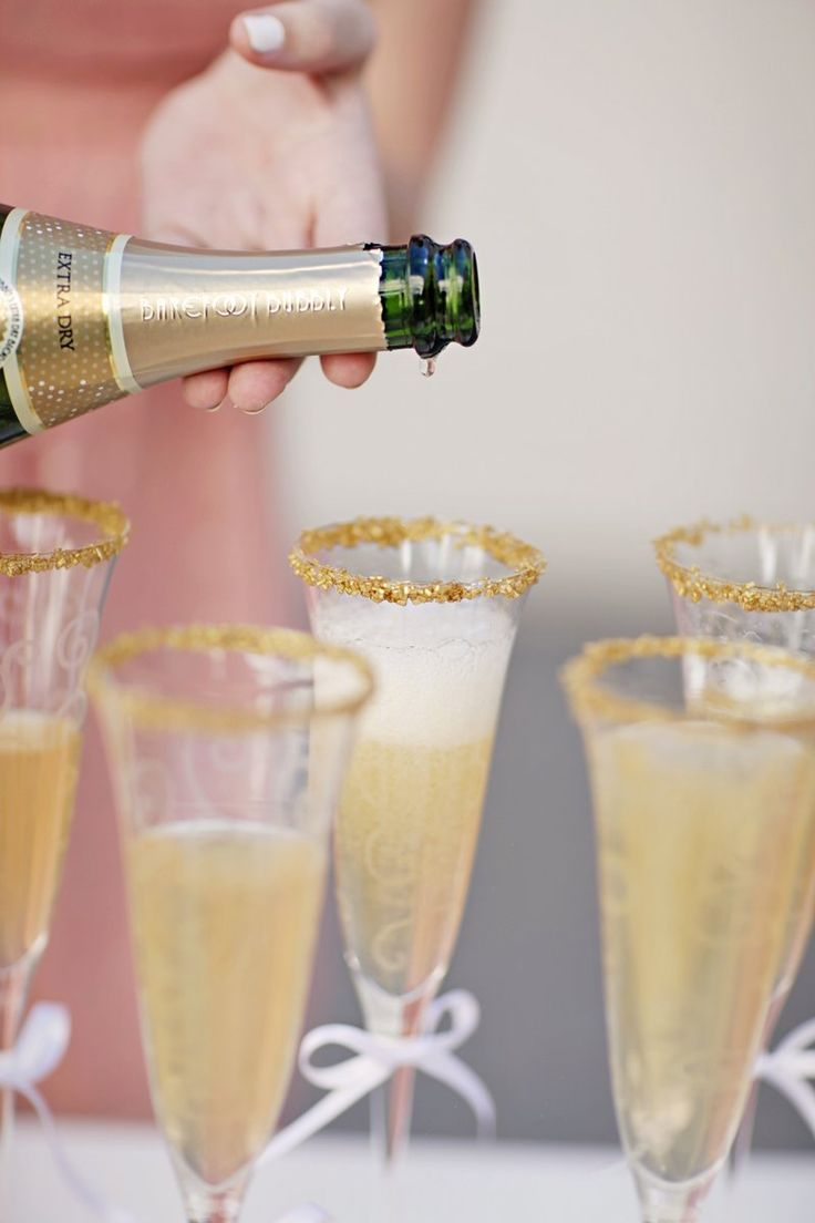 champagne glasses with glitter