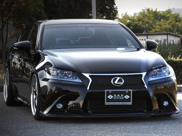 2013 Lexus GS modified by Japanese tuner, Skipper. Check out the front bumper carbon fiber upgrades.
