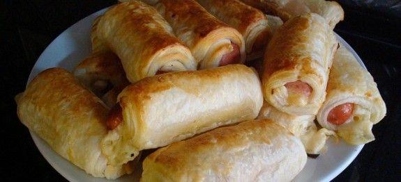 Impara la ricetta di Hot dogs fatti in casa e porta a tavola un piatto gustoso per i tuoi ospiti. Scopri tutte le nostre ricette di cucina!