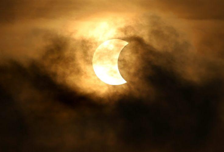 Całkowite zaćmienie Słońca w Azji, Indonezji i Australii. Zobacz zdjęcia!