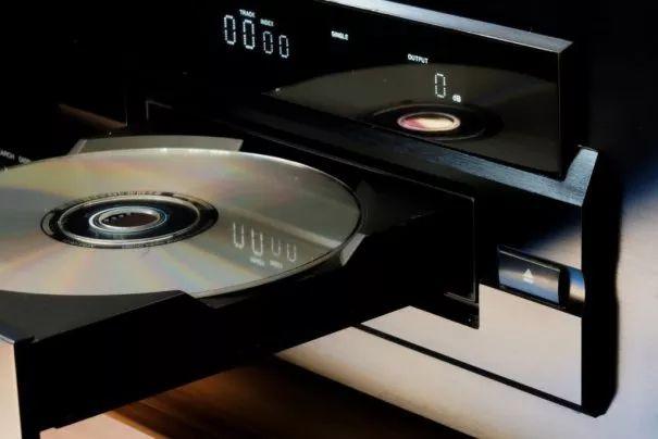 Todo lo que necesitas saber a la hora de comprar #CD y #DVD #TiposDeCD #Soportes #SuperficiePrintable #Mdisc #BD #BluRay