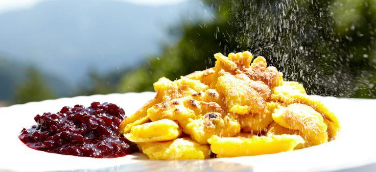 Restaurant Hotel Zum Löwen *** – Familie Tammerle, Gruppenreisen, Busreisen und Wanderreisen in Südtirol http://dld.bz/eDshD