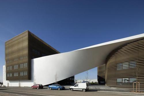 Office building in Blagnac  Architects: Studio Bellecour  Location/Year: Blagnac, France / 2010