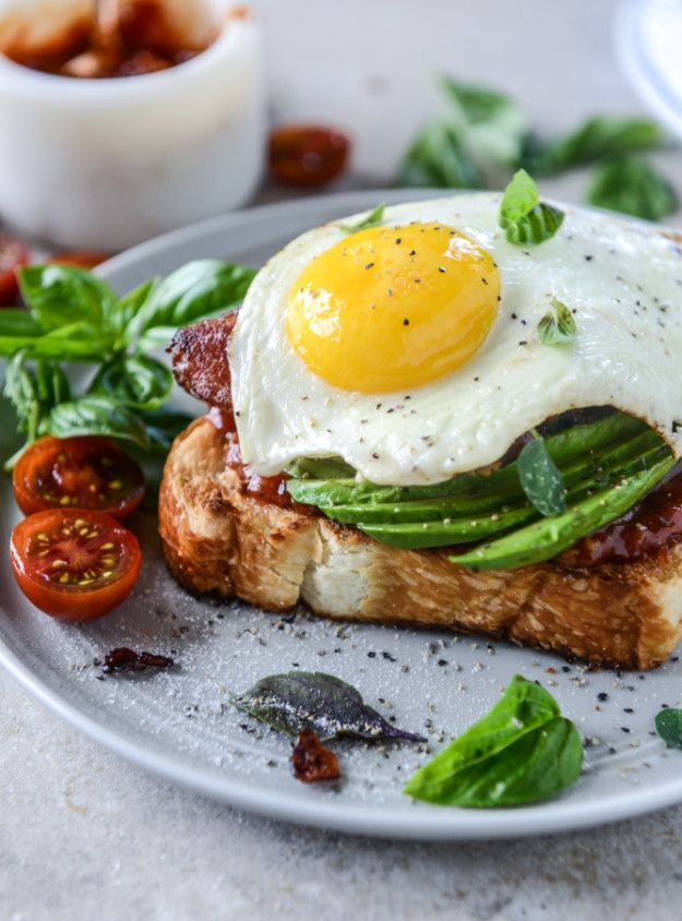 Avocado, Bacon, and Egg Toast with Quick Tomato Jam