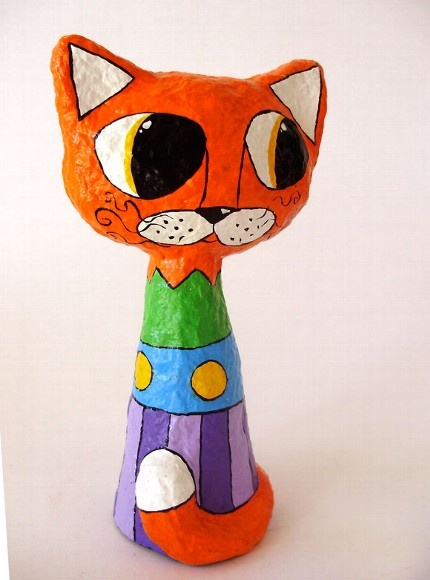 Gato papel machê