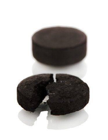 Activated charcoal and poisonous bites and stings - After a mosquito bite or bee sting, mix one capsule of activated charcoal with ½ tablespoon of coconut oil, and dab on affected area. Reapply every 30 minutes until itching and discomfort are gone. As activated charcoal stains nearly everything it touches, wrap with a bandage.  To treat bites from snakes and spiders, including the Brown Recluse or Black Widow, you want to cover a larger area than just a small bandage.
